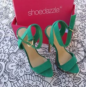 Shoedazzle turquoise platform heels like new
